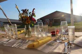 F2T_2016 Dinner_Dinner Set up in Front of Freestall