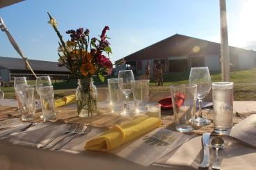 F2T_2016 Dinner_Dinner Set up in Front of Freestall